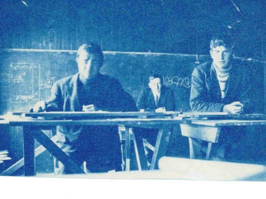 B4 - StFX Drafting Class, 1909