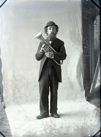B5 - Captain Alex MacDonald, early 1900s