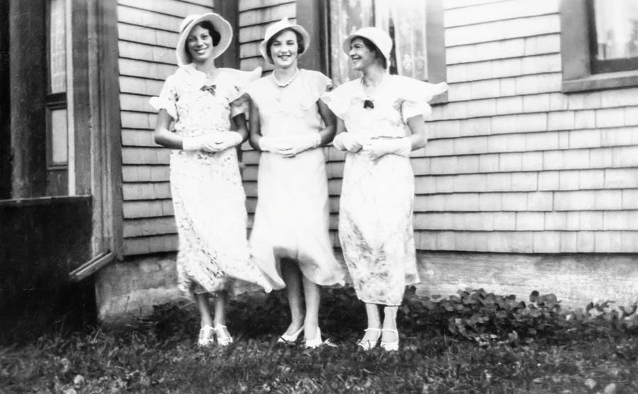 B5 - Wedding fashion, c 1910