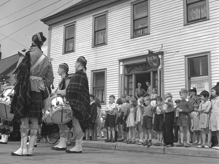 B6 - Highland Games, Main Street Parade, 1940