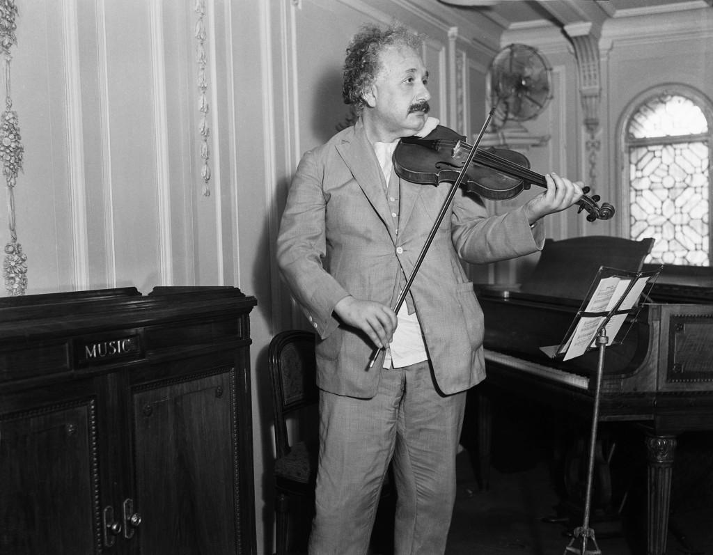 Einstein 1929 violin