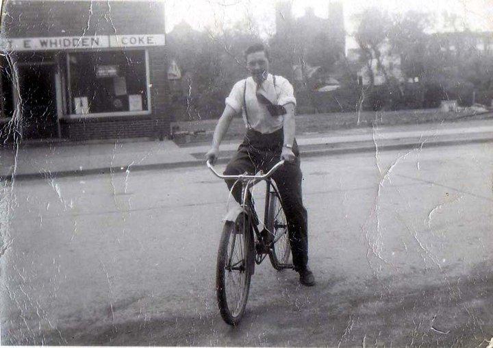 Hughie Chisholm 1950s Main st