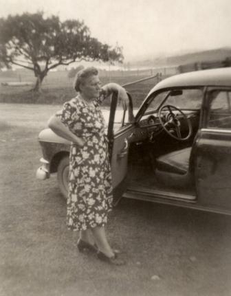 Fal Flora Vincent c 1955 1940s car COMPRESSED